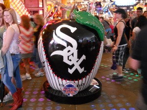 White Sox apple - Times Square