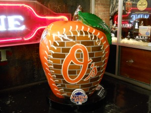 Orioles apple - Meatpacking District